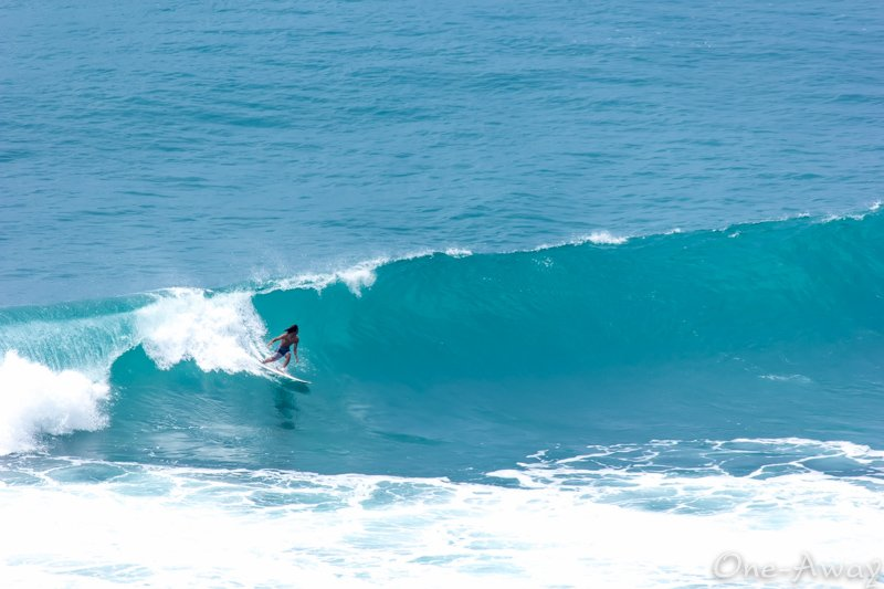 Learning to Surf In Bali - Uluwatu - Padang Padang